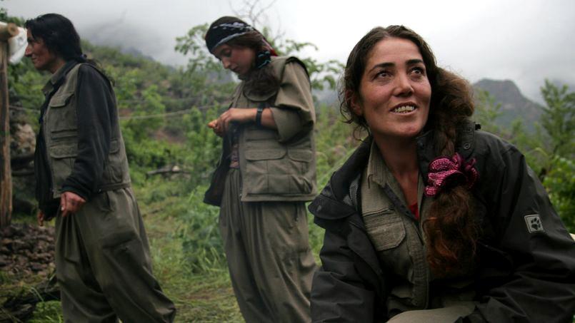 Eroinele kurde care se opun CalifatuluiEroinele kurde care se opun Califatului