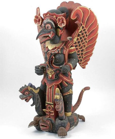 Statui ciudate cu demonul Anguiped (4)
