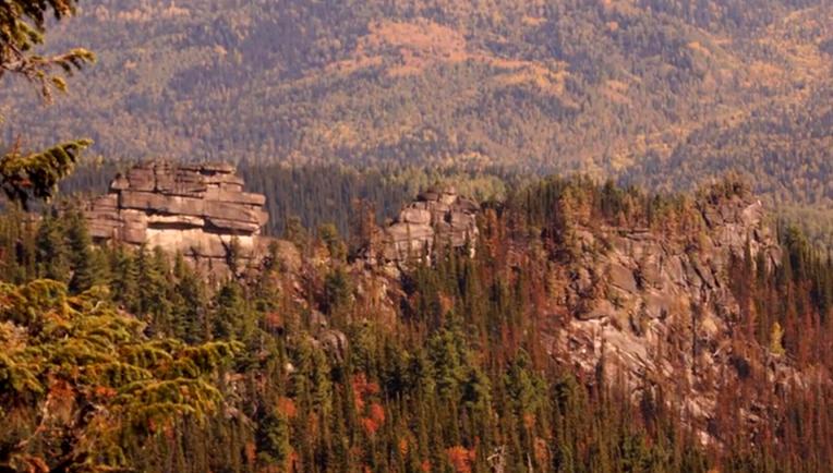 Ruine megalitice incredibile descoperite în Siberia (4)