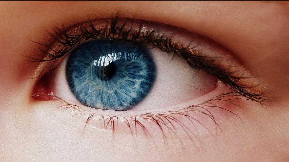 Secretele ochilor albaştri