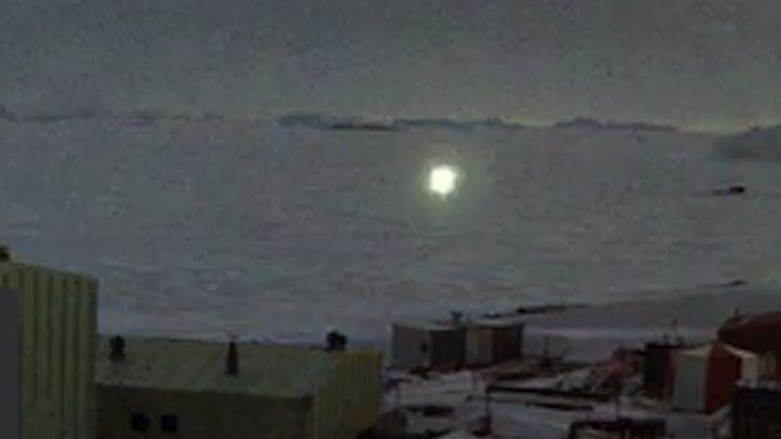 ovni_antarctique