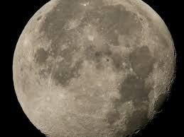 Staţia Spaţială Internaţională a fotografiat un obiect zburător pe Lună