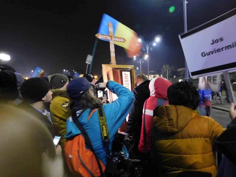 A patra seară de proteste uriaşe la Bucureşti