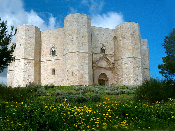 Castelul misterios din Italia al împăratului Frederick al II