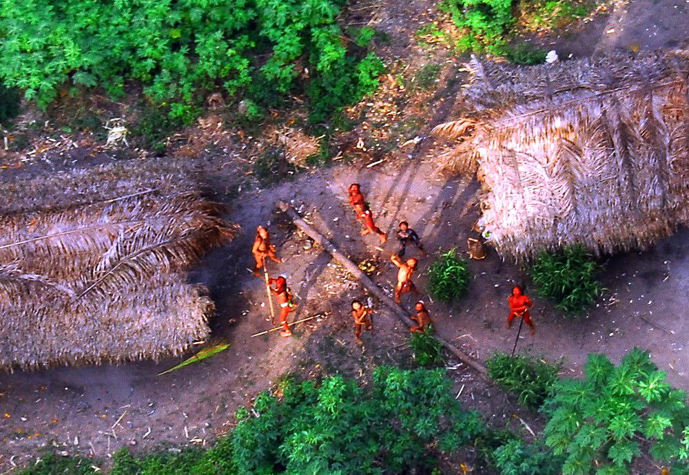 Tribul cel mai izolat din lume (4)