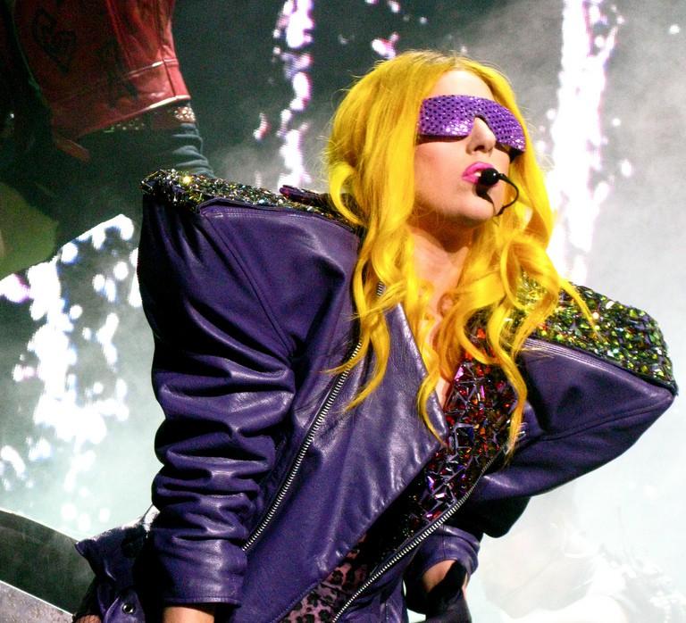 Lady Gaga este urmărită de o fantomă