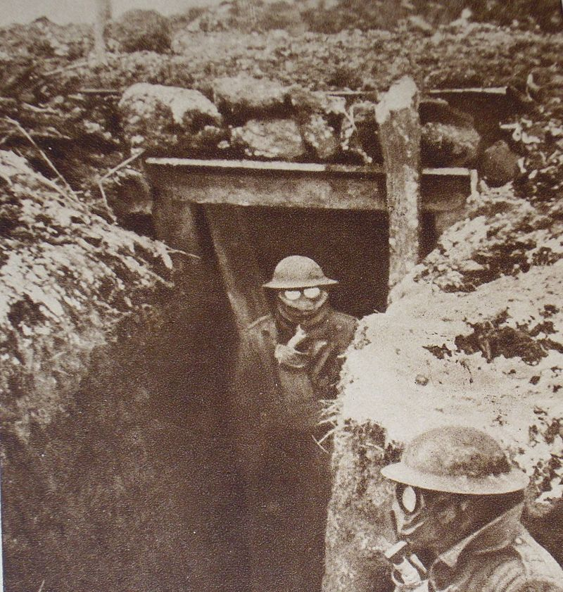 American's_wearing_gas_masks_during_World_War_I