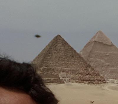 OZN – uri la Gizeh lângă piramide