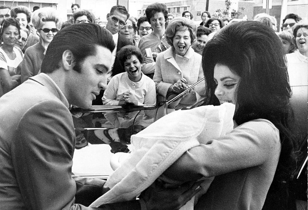 Elvis_Presley_and_Priscilla_with_Lisa_Marie_February_1968