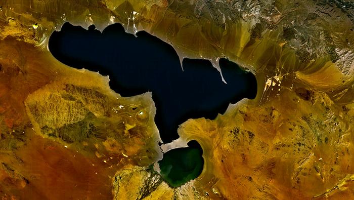 Misteriosul lac mongol Khyargas Nuur